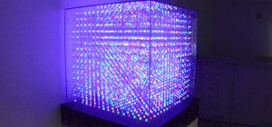 Un gigantesque cube de LED avec 4096 LED RGB