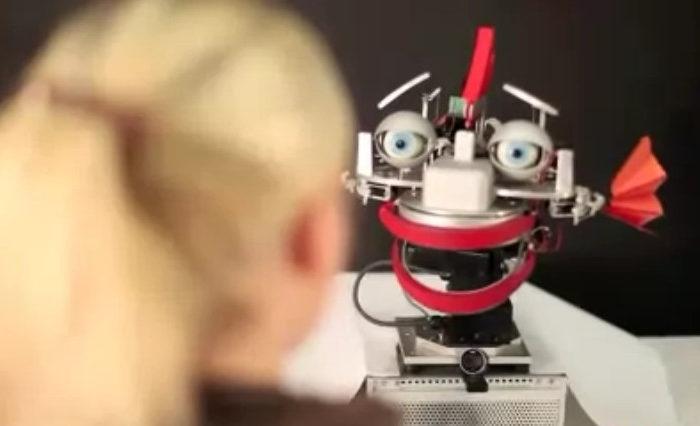 Le robot qui reproduit vos émotions pour améliorer le rapport homme-machine