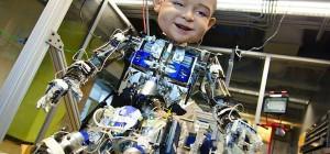 Diego-San, un robot au visage très expressif sur le modèle du bébé