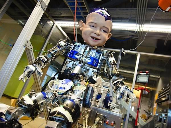 diego-san-un-robot-au-visage-tres-expressif-sur-le-modele-du-bebe