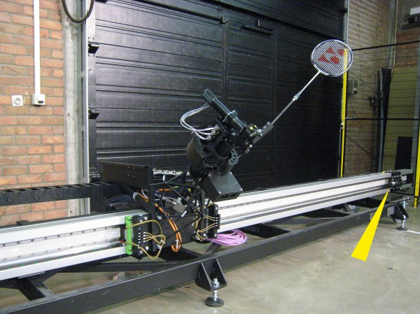 jada-un-robot-qui-joue-au-badminton-pour-lecologie-01