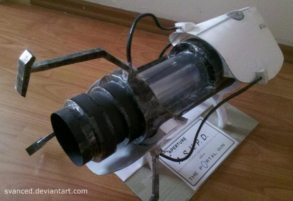 papercraft-une-replique-du-portal-gun-fabriquee-avec-papier-et-du-scotch