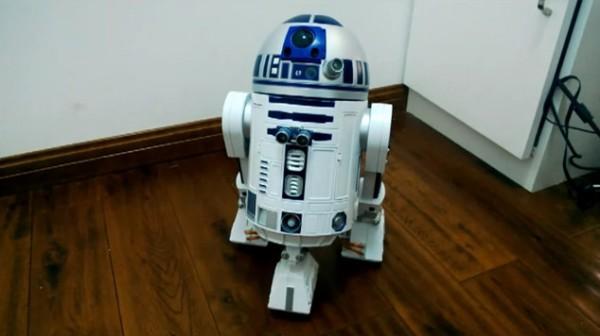 un-robot-r2d2-fonctionnant-avec-un-raspberry-pi