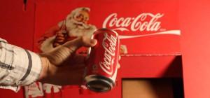 DIY : Une machine distributrice de Coca-Cola fabriqué en carton