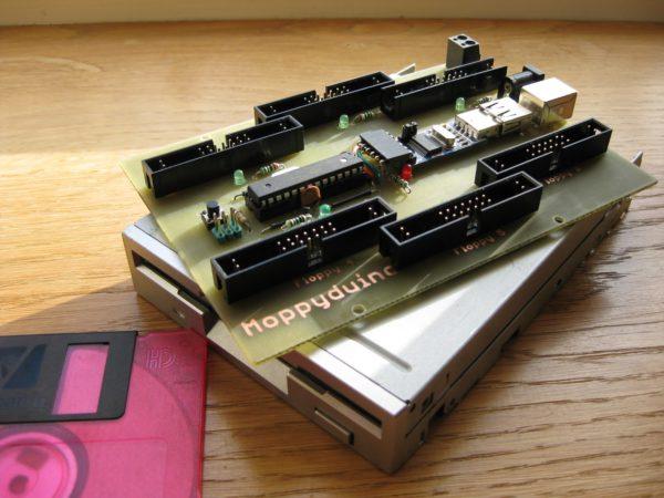 moppyduino-une-carte-electronique-pour-jouer-de-la-musique-avec-des-lecteurs-de-disquettes-01