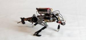 Project #R³bots : Des sculptures de robots réalisés avec des élements électroniques recyclés