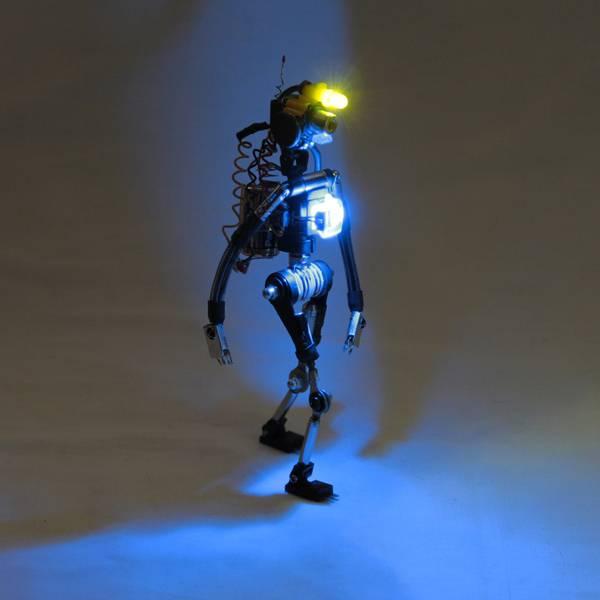 project-r3bots-des-robots-realises-avec-des-elements-electroniques-recycles-06