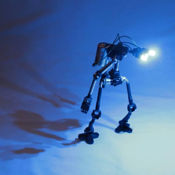project-r3bots-des-robots-realises-avec-des-elements-electroniques-recycles-08