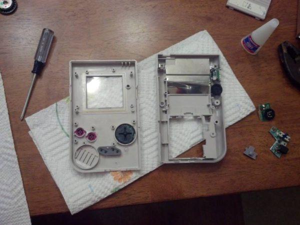 un-boitier-original-pour-raspberry-pi-avec-une-gameboy-03