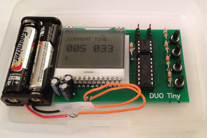 DUO Tiny : Un ordinateur programmable construit avec un ATtiny84