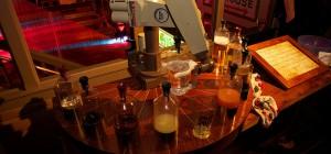 Sir Mix-a-Bot : Un bras robotisé qui réalise les cocktails comme un barman