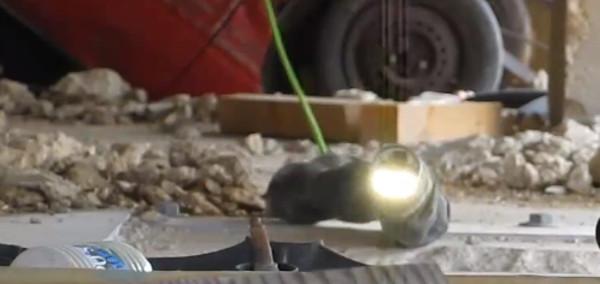 demonstration-du-robot-serpent-dans-le-cadre-de-la-recherche-et-du-sauvetage