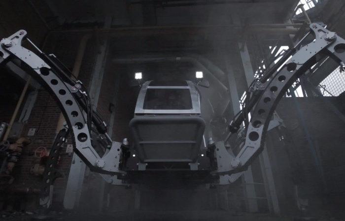 Mantis : Un énorme robot hexapode de 2 Tonnes