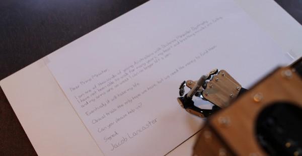 scribing-robot-arm-un-bras-robotise-scara-dedie-a-lecriture