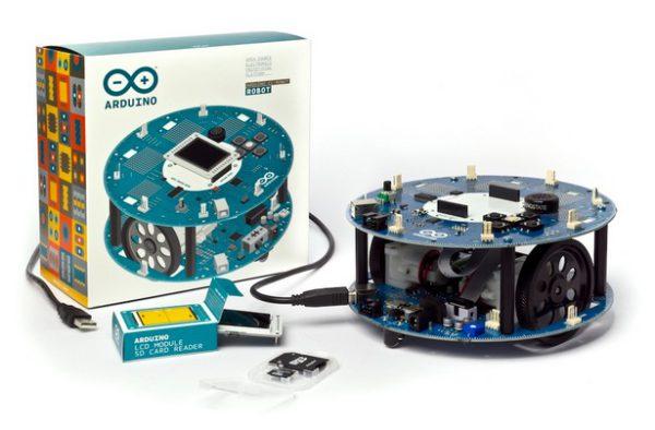 arduino-robot-une-plateforme-officielle-arduino-dedie-a-la-robotique-01
