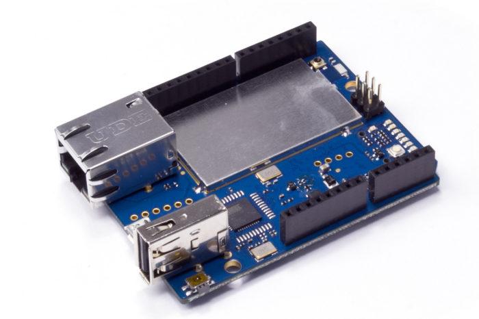 Arduino Yùn : Une nouvelle carte officielle qui combine Arduino, WIFI et Linux.