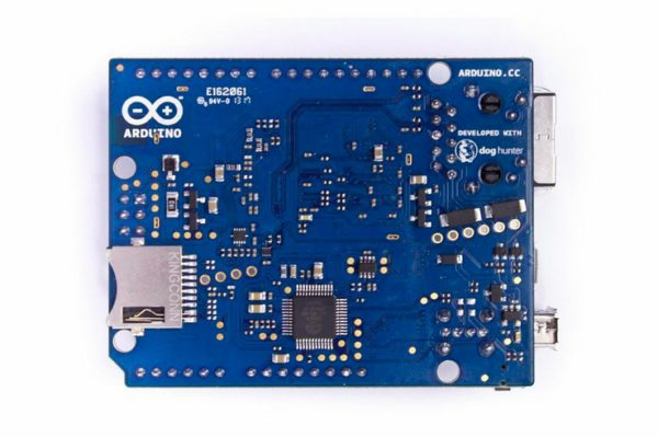 arduino-yun-une-nouvelle-carte-officielle-qui-combine-arduino-wifi-et-linux-02