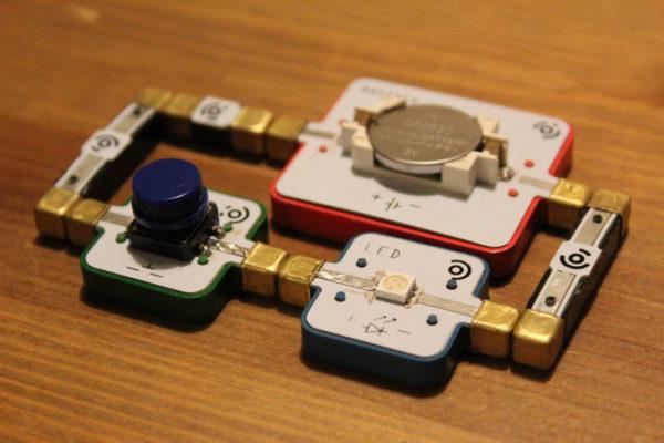 lightup-une-kit-dapprentissage-de-lelectronique-pour-les-enfants