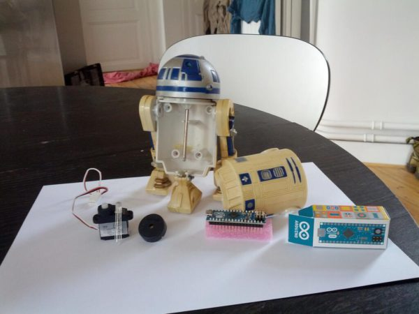 r2d2-is-alive-un-robot-r2d2-customise-a-la-sauce-arduino_02