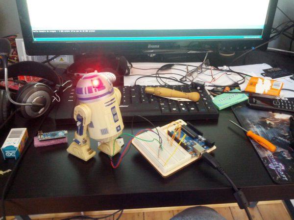 r2d2-is-alive-un-robot-r2d2-customise-a-la-sauce-arduino_04