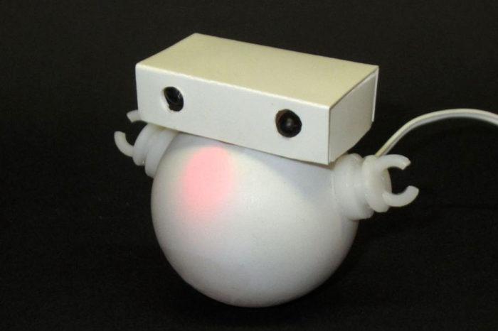 WoobleBot : le petit robot à base d'ATtiny45 qui réagit à l'infrarouge
