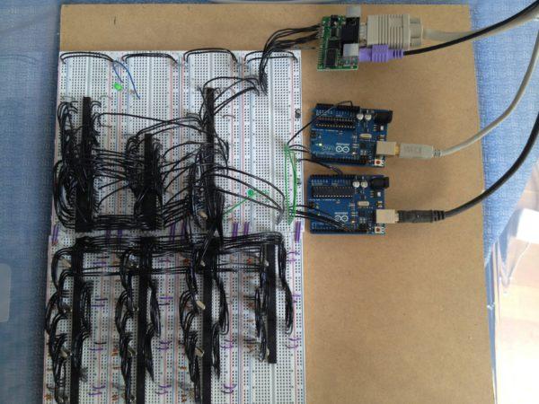 duo-mega-une-ordinateur-programmable-construit-avec-16-atmega-02