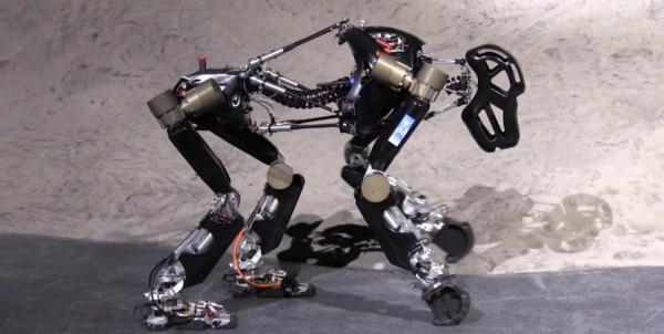 istruct-un-robot-concu-sur-le-modele-du-singe