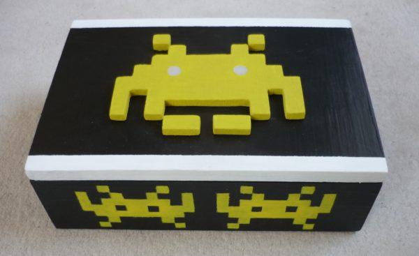 Boîte SpaceInvaders fermée