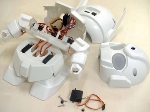 rapiro-le-petit-robot-a-base-de-raspberry-pi-02