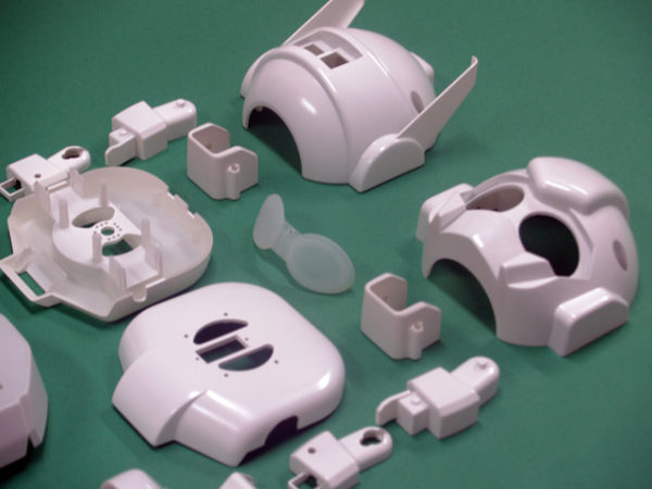 rapiro-le-petit-robot-a-base-de-raspberry-pi-03