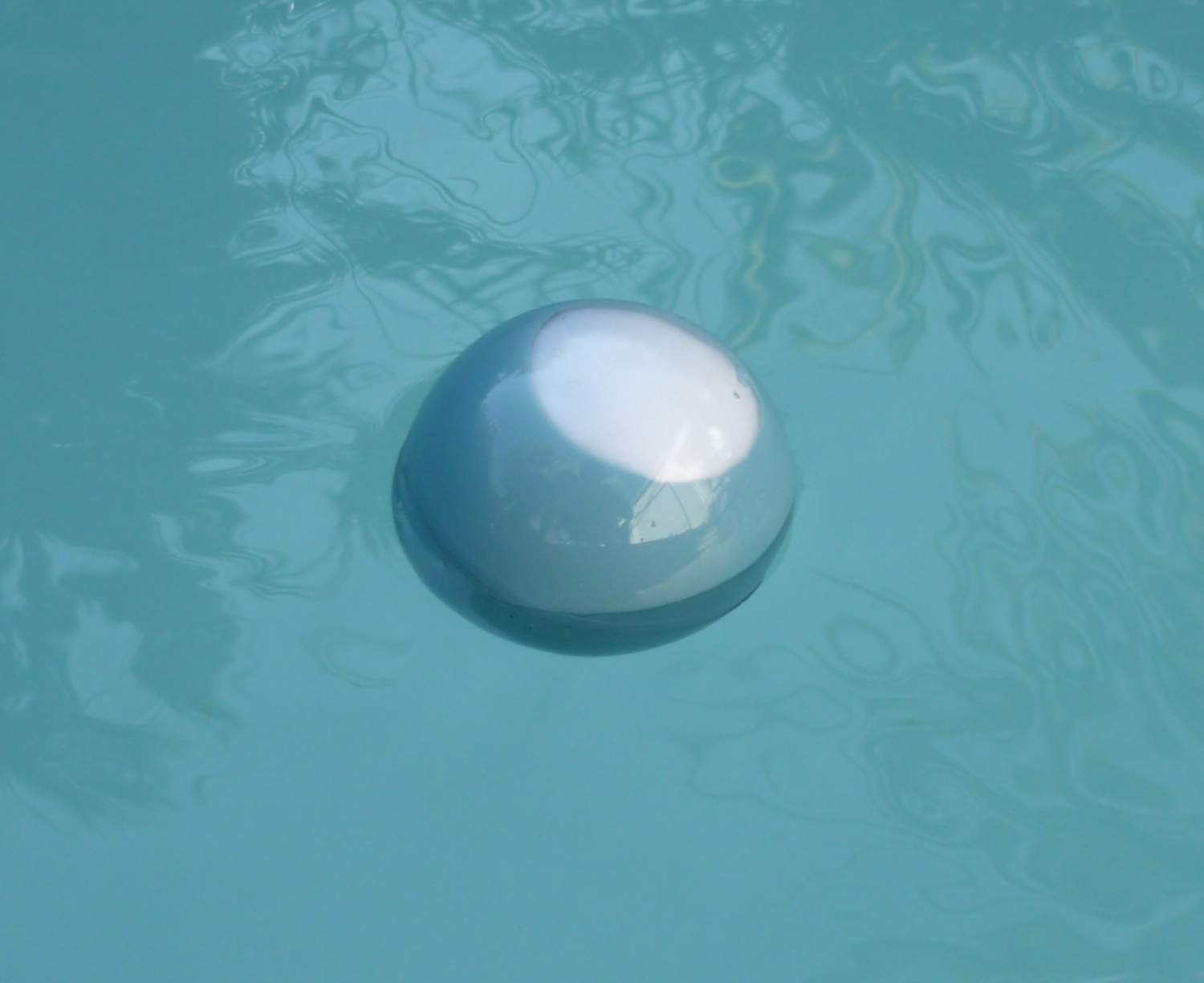 Diy celsiusball un thermom tre flottant low cost semageek for Thermometre piscine