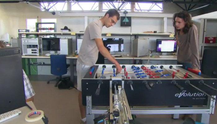 Projet : Le robot champion de babyfoot de l'EPFL