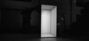 Box : Un spectacle visuel exceptionnel utilisant des bras robotisés et de la projection