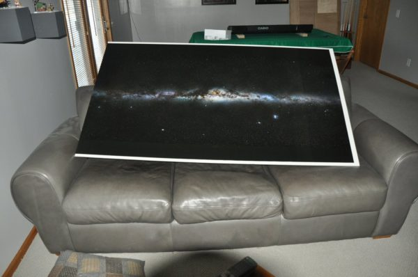 diy-fabriquer-un-poster-de-la-voie-lactee-eclaire-avec-de-la-fibre-optique-02