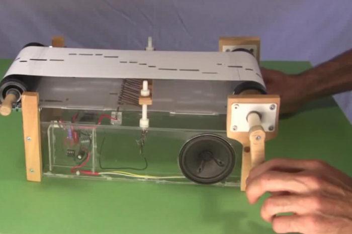DIY : Un orgue de barbarie électronique à base de NE555