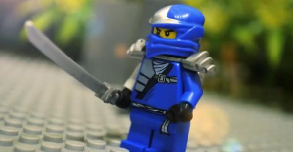 video-un-combat-de-ninja-realise-avec-des-lego-en-stopmotion