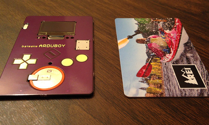 ArduBoy : La carte de visite interactive sur une base Arduino