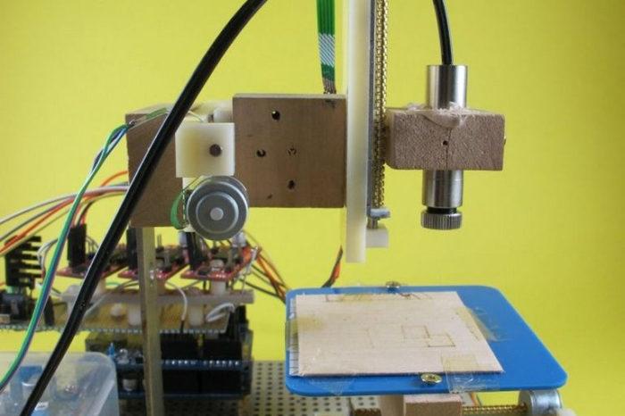 DIY : Une petite machine de découpe laser pour le papier