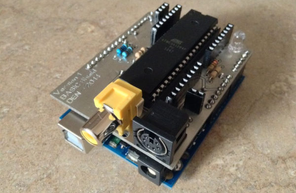 arduino-uno-basic-un-ordinateur-a-base-darduino-executant-du-basic-01