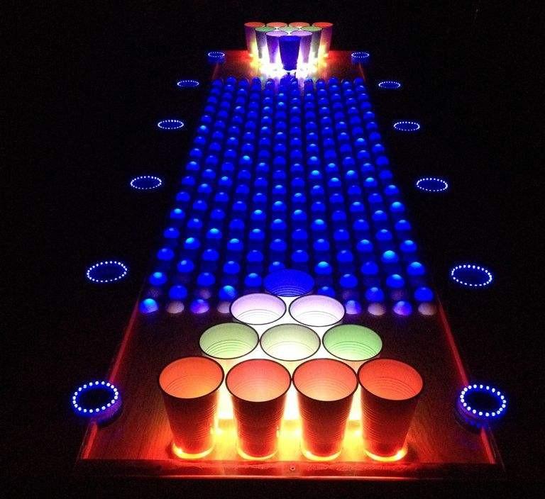 diy une magnifique table de beer pong interactive semageek. Black Bedroom Furniture Sets. Home Design Ideas