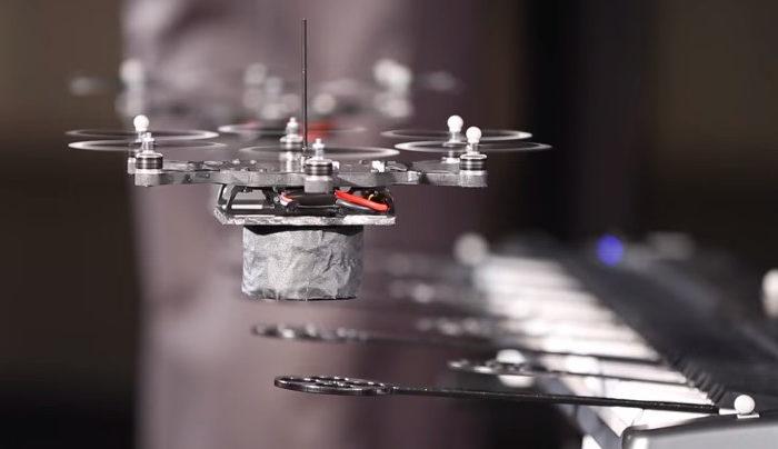 Les drones de KMEL Robotics ont formé un groupe de musique