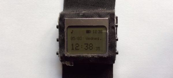watchduino-une-montre-open-hardware-sous-arduino