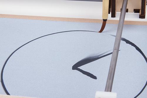 watercolorbot-water-clock-une-horloge-cnc-qui-donne-lheure-avec-de-leau-02