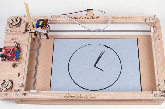 WaterColorBot Water Clock : Une horloge CNC qui donne l'heure avec de l'eau