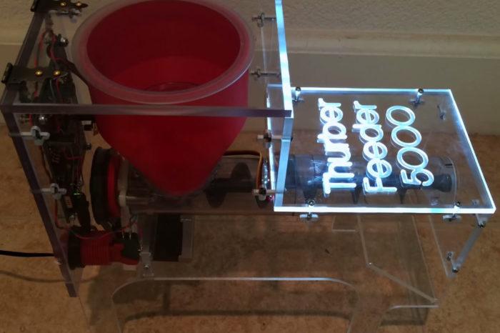 DIY : Thurber Feeder 5000, une machine pour nourrir votre chien lentement
