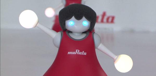 la-danse-synchronise-des-robots-murata-cheerleaders