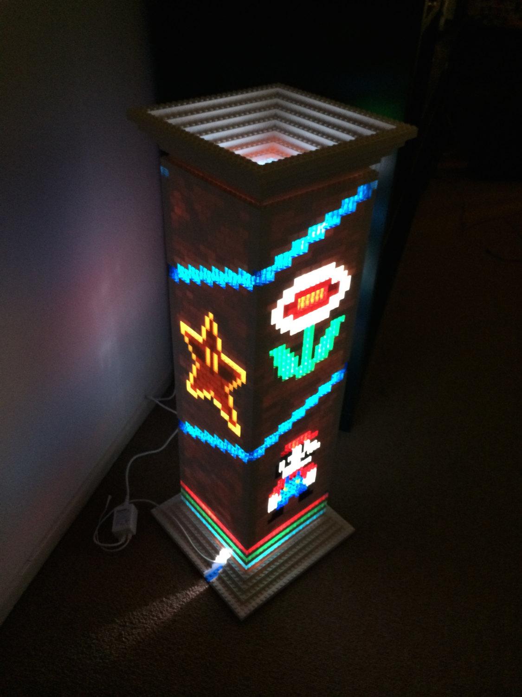 une lampe sur le thème de super mario bros réalisée en lego - semageek