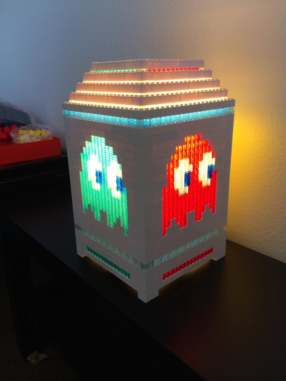 une lampe sur le th me de super mario bros r alis e en lego semageek. Black Bedroom Furniture Sets. Home Design Ideas