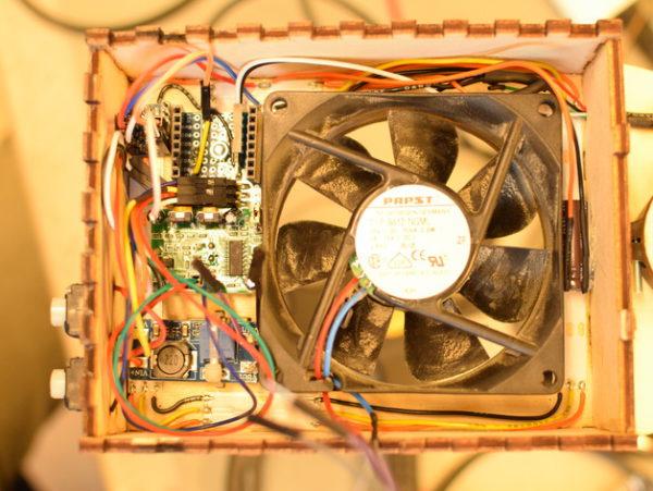 diy-tranformer-une-lampe-ikea-en-aspirateur-de-fumee-intelligent-pour-la-soudure-02