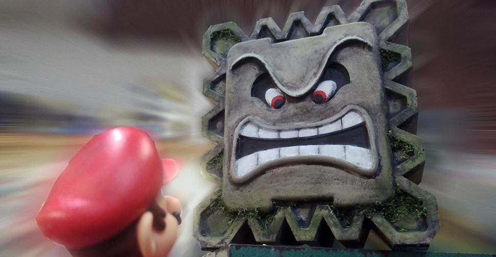 Casemod : Une console de retro-gaming en béton en forme de Thwomp